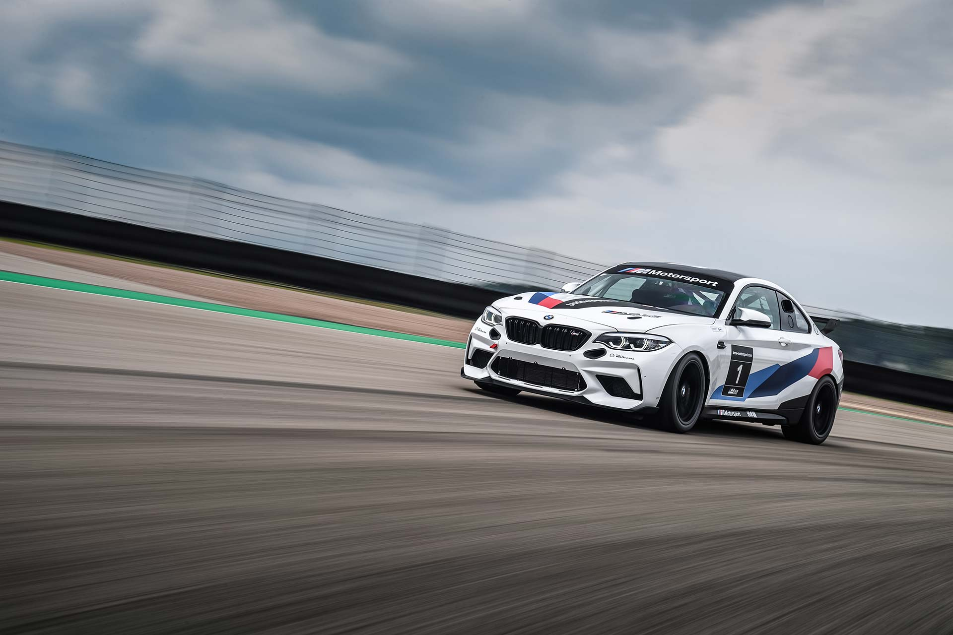 BMW M2cs Winter Cup Rennfahrzeug